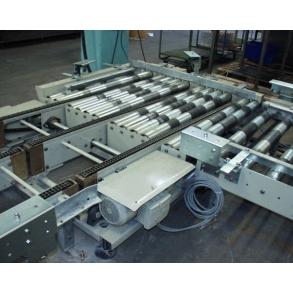 Roller conveyors for boxes and pallets UNI-TECH