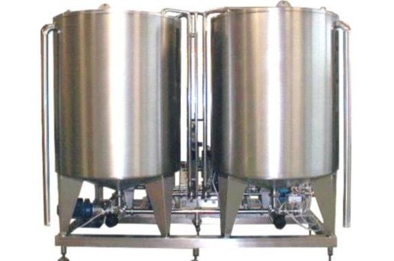 Vertical tanks UNI-TECH